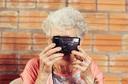 A seguir, dicas para prevenir 6 golpes que tiram dinheiro de idosos