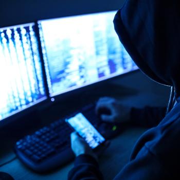 Hacker ou cracker: afinal, qual é a nomenclatura correta e quais são as diferenças?