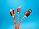 O perigo dos carregadores USB em espaços públicos
